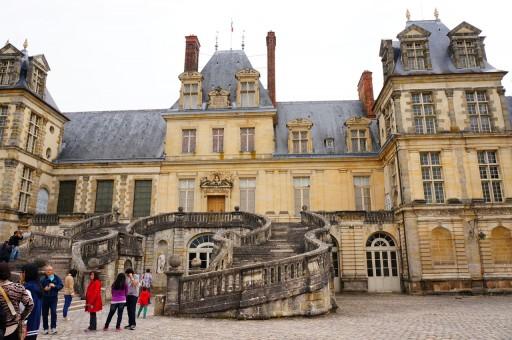 宮殿への入り口